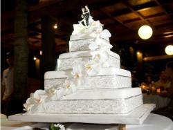 bali-wedding-cake-2